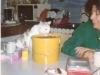 Charlotte sur la table de la cuisine