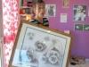 Samedi 17 novembre 2012 Montrer à Carole Morvan (Toiletteuse de Blacky sur Basse-Terre) l'encadrement des esquisses pour la toile de Blacky. Planche d'étude, pour ce travail, offerte par Valérie Biegel.